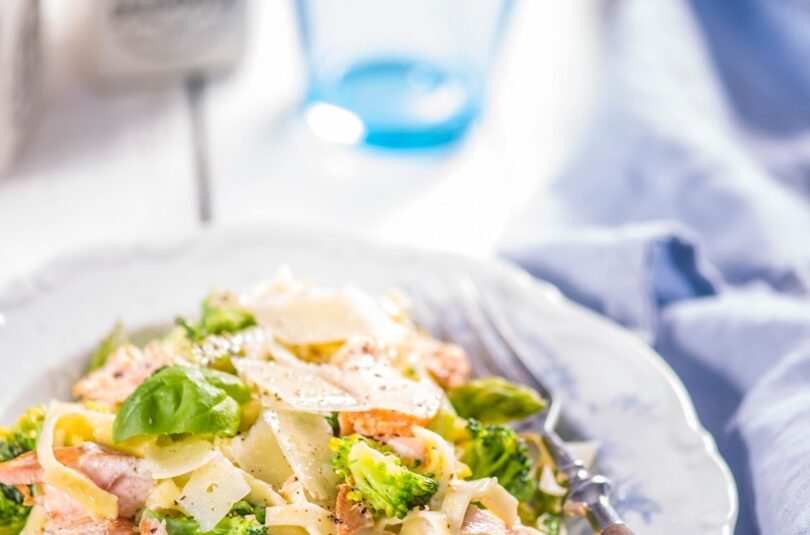 Lõhepasta brokoliga kooreses kastmes