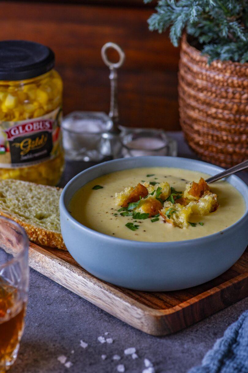 Lihtne maisi püreesupp kartuli ja krutoonidega